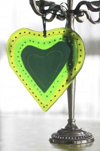 molten-wonky-heart-trinket-green