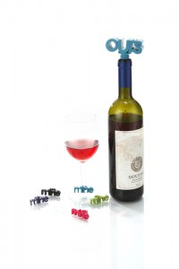 design-essentials-ours-mine-charm-stopper-set