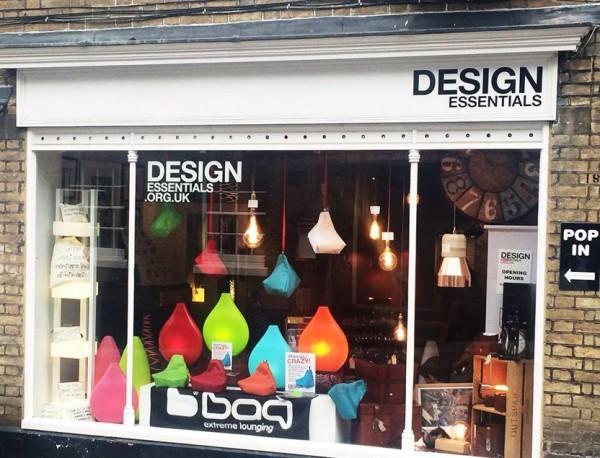 design-essentials-extremelounging-beanbag-window-display