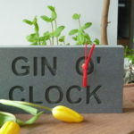 gin-o-clock-table-clock