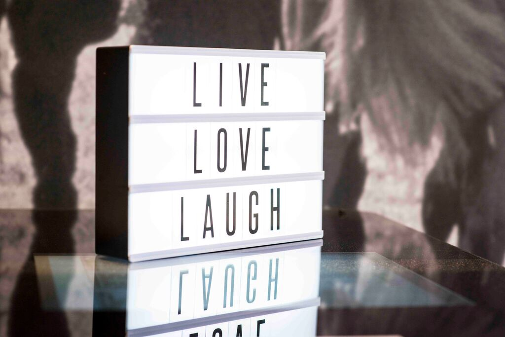 design-essentials-cinematic-lightboxes-blackandwhite-livelaughlove