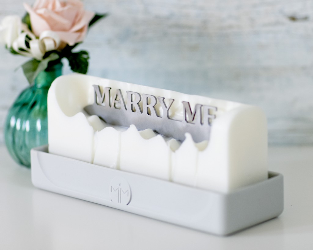 Marry Me Melting Messages's candle