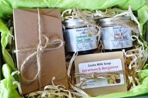 artisan lane, gardeners care collection, gift box, perfect for gardners, gift for dad, gift for Grandad,